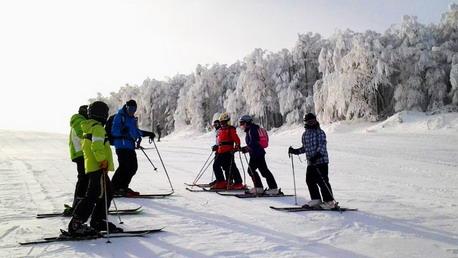 Skijaši na stazi skijališta Crni Vrh **** Foto: A.Milikić