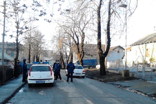 I Srbi i Romi čekaju da splasnu tenzije