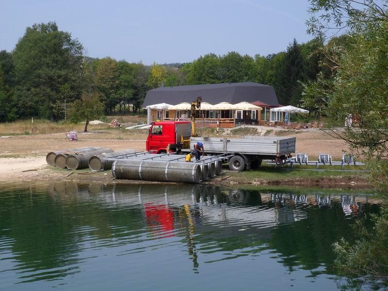 pontonski bazeni
