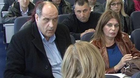 Snežana Todorović u klupi sa Draganom Popovićem liderom DS