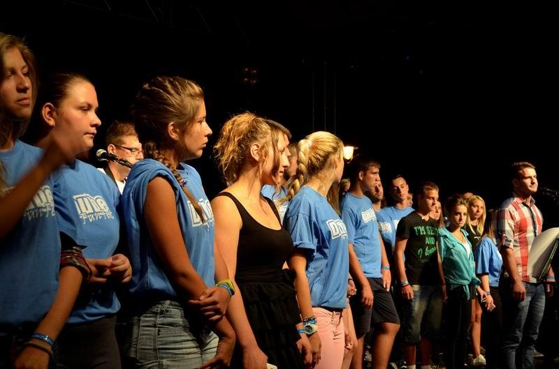 volonteri na sceni