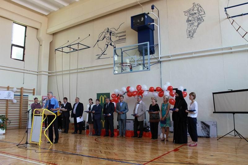 Obnovljena fiskulturna sala u skoli u Tekiji_Fondacija Divac i OKS